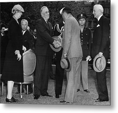 First Lady Eleanor Roosevelt Front Metal Print by Everett