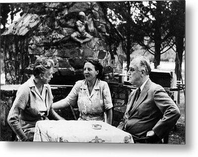 First Lady Eleanor Roosevelt, Queen Metal Print by Everett