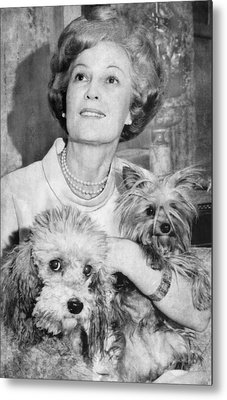 First Lady Patricia Nixon With Pet Metal Print by Everett