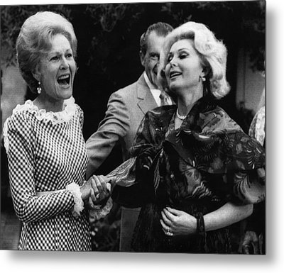 First Lady Patricia Nixon With Zsa Zsa Metal Print by Everett