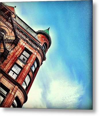 Flat Iron Building Metal Print by Christopher Campbell