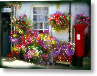 Metal Print featuring the photograph Floral by Rod Jones