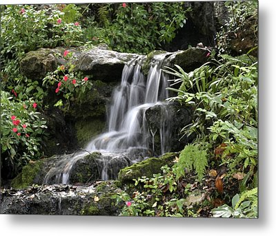 Metal Print featuring the photograph Flowing Softly by Myrna Bradshaw