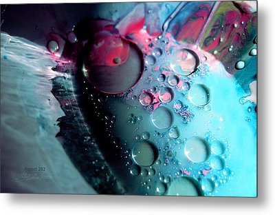 Metal Print featuring the photograph Fluidism Aspect 283 Photography by Robert Kernodle