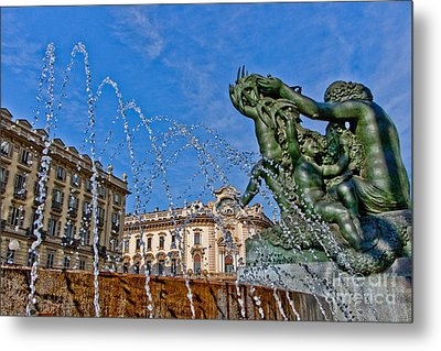 Metal Print featuring the photograph Fontana Di Piazza Solferino by Sonny Marcyan