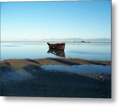 Forgotten Boat Wreck Near Motueka Metal Print by Peter Mooyman