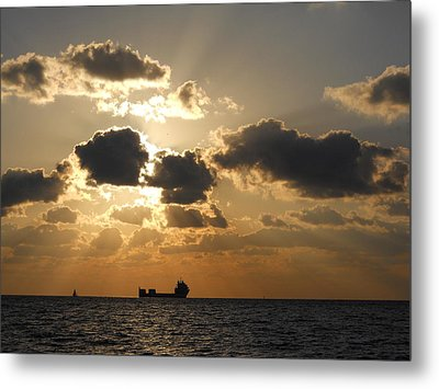 Metal Print featuring the photograph Fort Lauderdale Sunrise by Clara Sue Beym