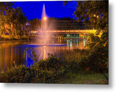Fountain And Bridge At Night Metal Print