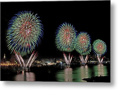 Fourt Of July In Nyc Metal Print by Susan Candelario