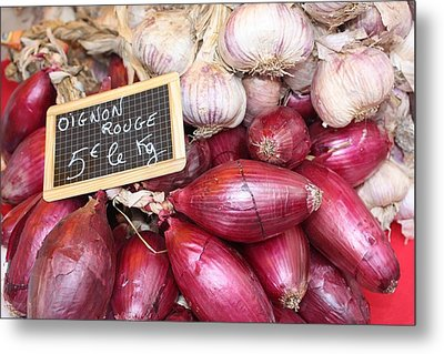 French Red Onions And Garlic Metal Print by Yvonne Ayoub
