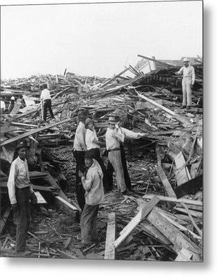 Galveston Disaster - C 1900 Metal Print by International  Images