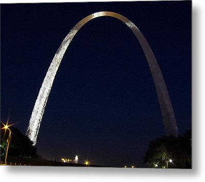 Metal Print featuring the photograph Gateway Arch At Night by Nancy De Flon