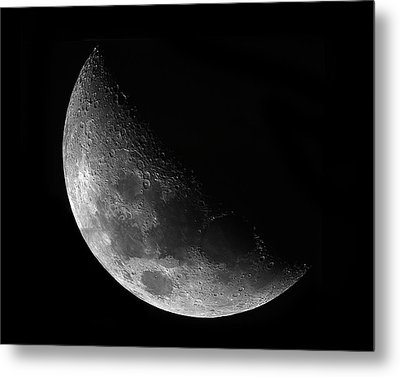 Gibbeous Moon Metal Print by Charles Warren