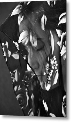 Girl With A Rose Veil 1 Bw Metal Print