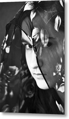 Girl With A Rose Veil 2 Bw Metal Print