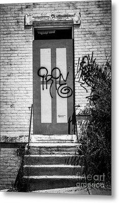 Graffiti Door At Glencoe-auburn Complex Cincinnati Ohio Metal Print
