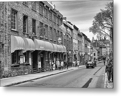 Metal Print featuring the photograph Grande Allee by Eunice Gibb