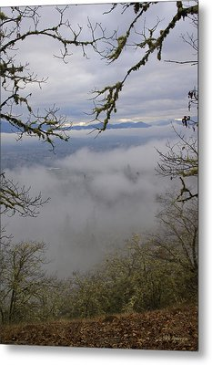 Grants Pass In The Fog Metal Print by Mick Anderson