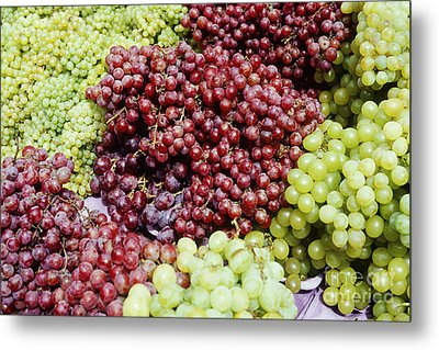 Grapes At A Market Stall Metal Print by Jeremy Woodhouse