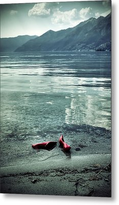 Green And Red Metal Print by Joana Kruse
