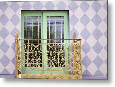 Green Doors Metal Print by Kate Purdy
