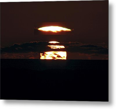 Green Flash At Sunset Metal Print by Laurent Laveder