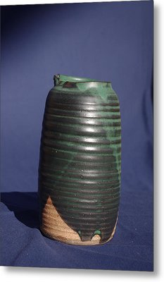 Green Vase Metal Print by Rick Ahlvers