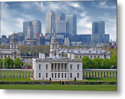 Metal Print featuring the photograph Greenwich by Rod Jones
