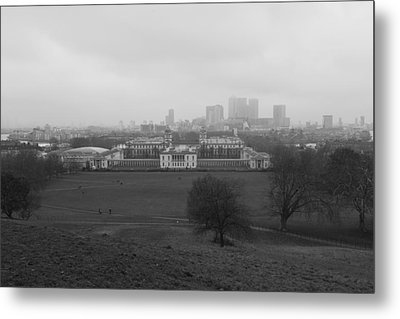 Metal Print featuring the photograph Greenwich View by Maj Seda