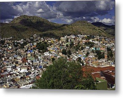 Metal Print featuring the photograph Guanajuato Vista No. 1 by Lynn Palmer
