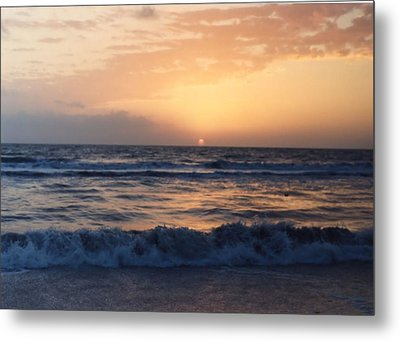 Metal Print featuring the photograph Gulf Coast Sunset by Lynnette Johns