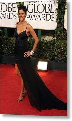 Halle Berry  Wearing A Nina Ricci Gown Metal Print by Everett