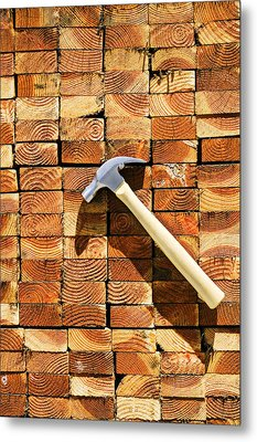 Hammer And Stack Of Lumber Metal Print by Garry Gay