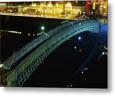 Hapenny Bridge, Dublin City, Co Dublin Metal Print by The Irish Image Collection