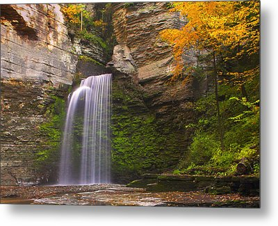 Havana Glen Waterfall Metal Print