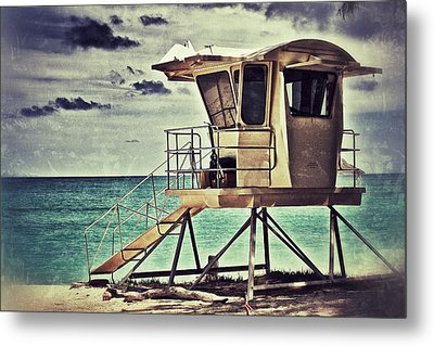 Metal Print featuring the photograph Hawaii Life Guard Tower 1 by Jim Albritton