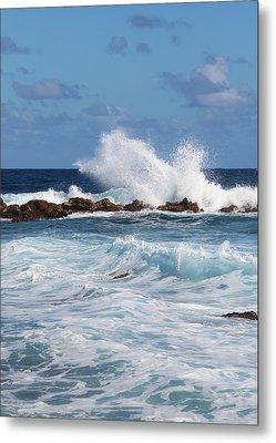 Hawaiian Shore Break  Metal Print by Kerri Ligatich