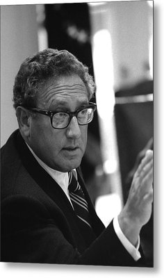 Henry Kissinger In A Meeting Following Metal Print by Everett
