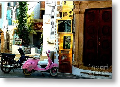 His And Hers Vespas At The Gallery Metal Print by Therese Alcorn