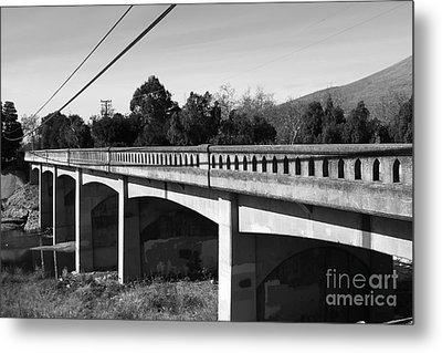 Historic Niles District In California Near Fremont . Bridge Into Niles District . 7d10596 . Black An Metal Print