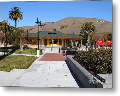 Historic Niles District In California Near Fremont . Niles Depot Museum And Niles Town Plaza.7d10697 Metal Print