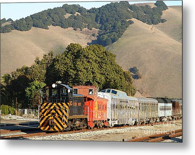 Historic Niles Trains In California . Old Southern Pacific Locomotive And Sante Fe Caboose . 7d10818 Metal Print by Wingsdomain Art and Photography