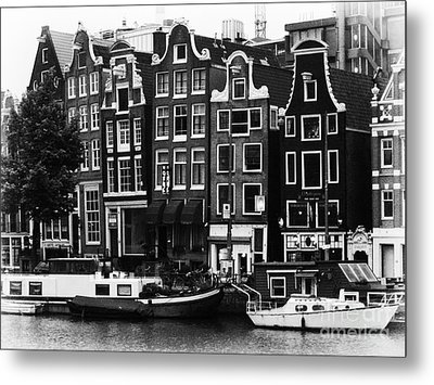 Homes Of Amsterdam Metal Print by Leslie Leda