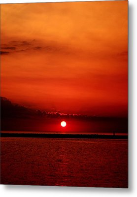 Hot Sunset Metal Print by Leigh Edwards