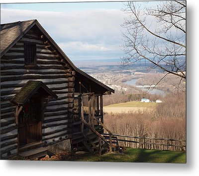 House On The Hill Metal Print by Robert Margetts