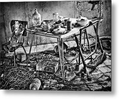 Hungry Helpers Metal Print by Empty Wall