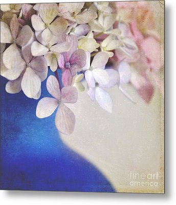 Hydrangeas In Deep Blue Vase Metal Print by Lyn Randle