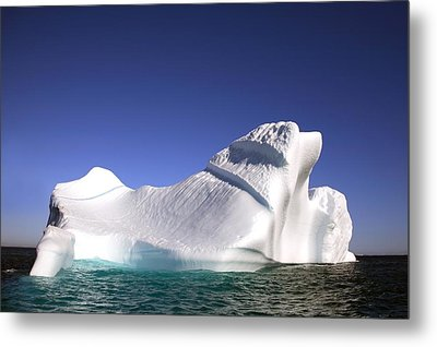 Iceberg In The Canadian Arctic Metal Print by Richard Wear