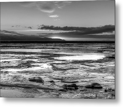 Metal Print featuring the photograph Icy Bay At Sunset by Michele Cornelius