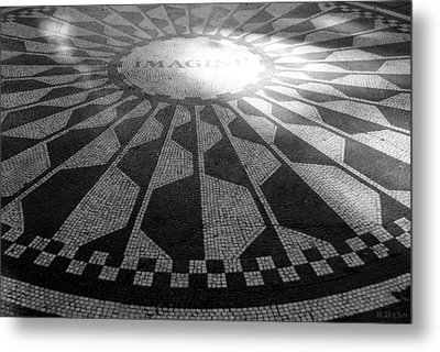 Imagine In Black And White Metal Print by Rob Hans